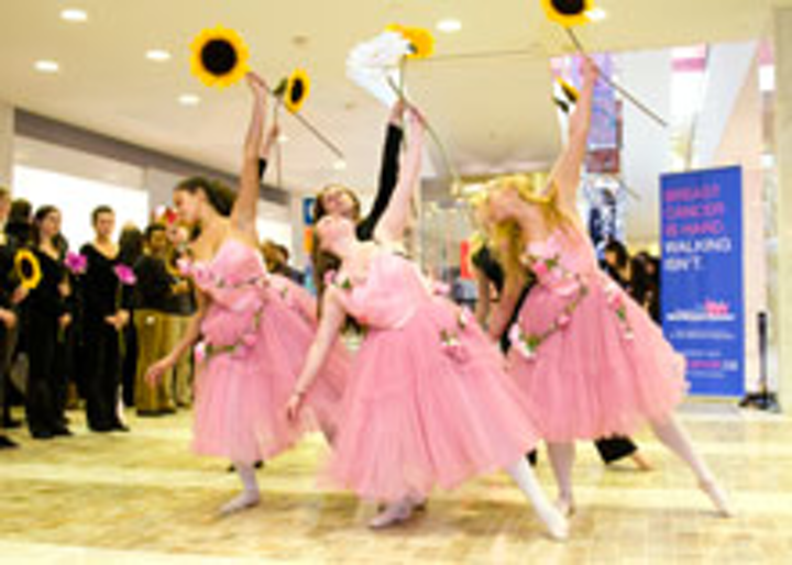 Ballet dancers at First Canadian Place
