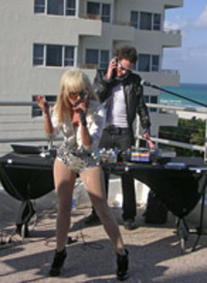 Lady GaGa 's 2008 Winter Music Conference performance