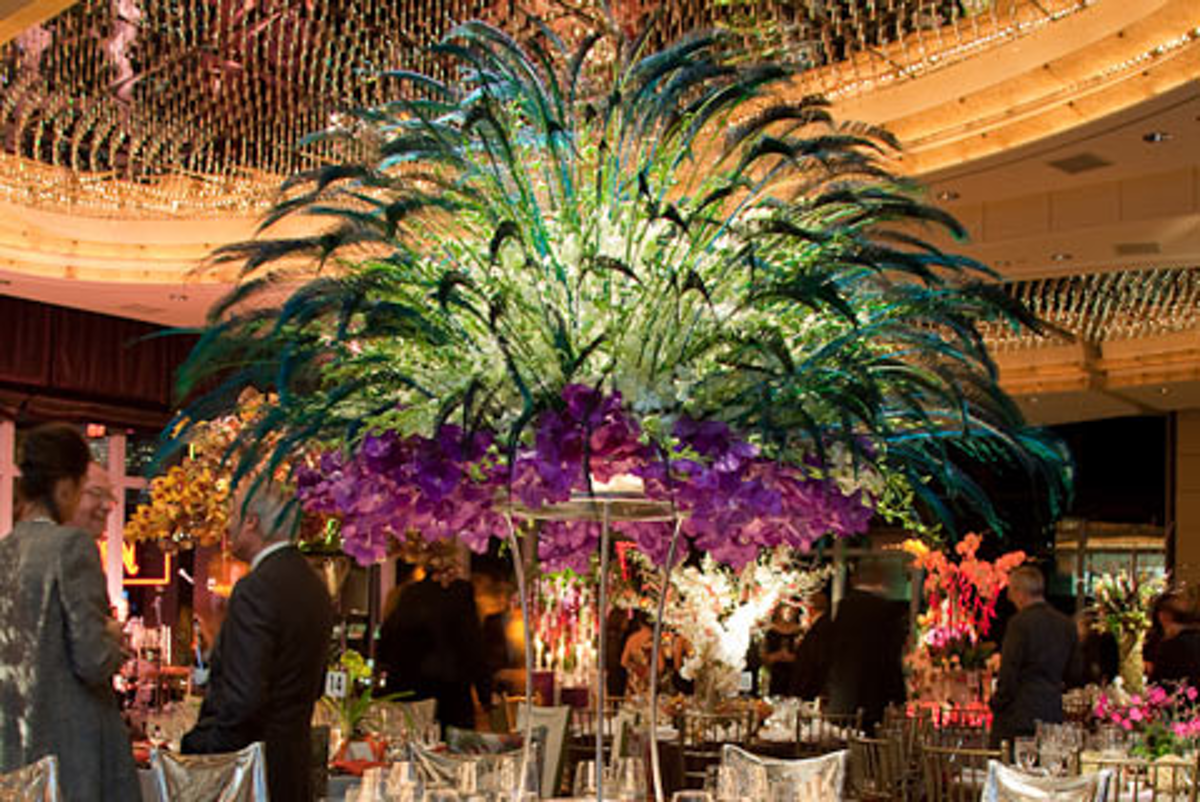 Orchid Dinner Designers Look To Patterned Linens Feathers Lady