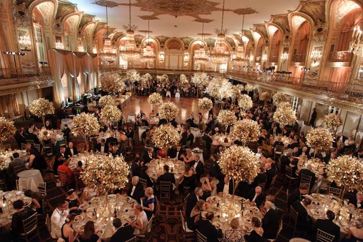 The Lyric Opera of Chicago's fall 2013 Opera Ball had warm hues.