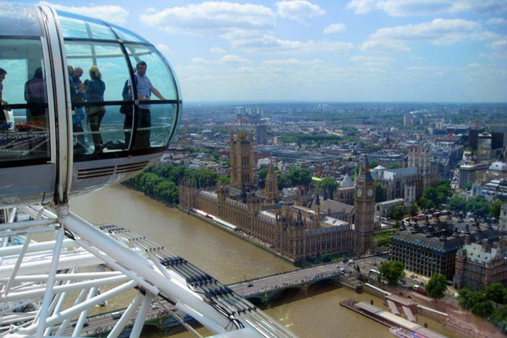 Incentive travel participants value destinations and activities that they might not otherwise get to experience, such as an event in a private capsule of the London Eye organized by Spectra DMC.