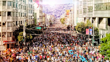 #1 Sports Event The oldest consecutively run footrace in the world, Bay to Breakers was founded in 1912. The 12K race starts near the San Francisco Bay and finishes at the Great Highway. It draws 50,000 participants (some in costume) and 100,000 spectators each year. Next: May 17, 2015