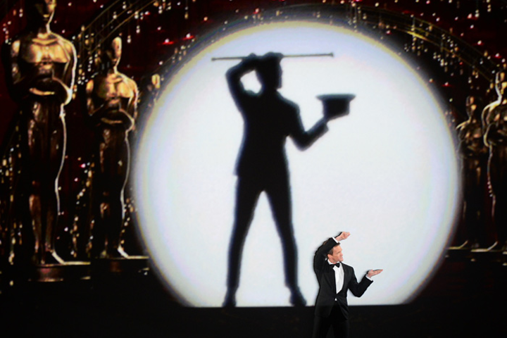 Producers praised host Neil Patrick Harris's opening number—an ode to moving pictures using elaborate choreography, projection, and video effects.