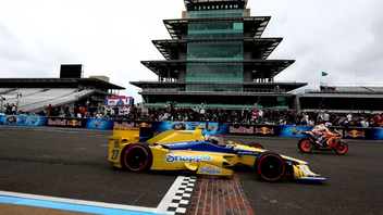 Indianapolis #5 Sports Event (new to the list) The nation's most historic auto race celebrates its 100th anniversary next year, a significant milestone for the open-wheel race. Nascar's premier races have surpassed the Indy 500—it drew about 6.4 million viewers in 2015—although Indy's live crowd counts about 100,000 more fans than the Daytona 500. Next: May 29, 2016