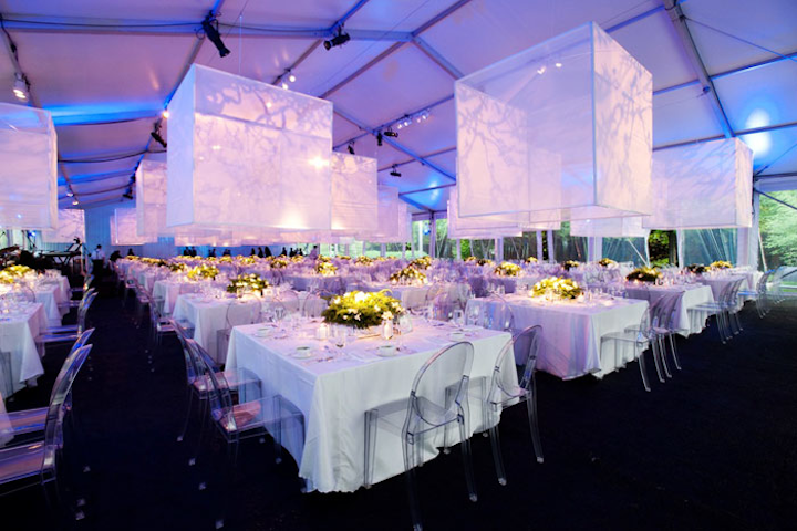 In 2012, HMR Designs gave an event at the Harris Theater all-white decor with large transparent cubes that were suspended from the ceiling in the dining area. White will also be on-trend for galas this spring.