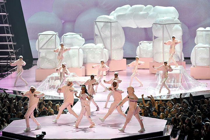 Many producers noted that the excitement and flow of the show didn't pick up until after the opening performance and first few segments.