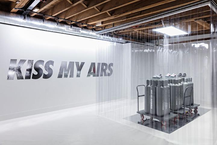Nike Air Max 1 X Liberty London   Indian Television Dot Com