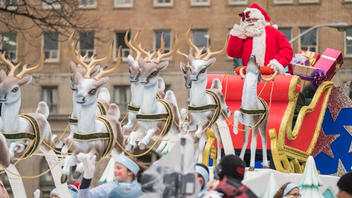 #5 Festival & Parade Santa spotters were treated to mostly new floats at the world's longest-running parade in 2016. Maple Leaf Sports and Entertainment and Kia return in 2017 as sponsors for the six-kilometer parade. Next: November 19, 2017