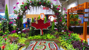 Flower show Canada Blooms took place at Toronto's Enercare Centre in March. The City of Toronto's garden featured red and white flowers that depicted a maple leaf and the number of years of the country's Confederation. The installation was designed by Curtis Evoy and Stanley Roszak.