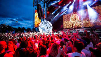 Montreal #6 Music Event The festival moved to Parc Jean-Drapeau's Île Notre-Dame in 2017, when Lorde was the opening act and 135,000 people attended from 37 countries. Unlike 2016, however, this year's event did not sell out. Virgin Mobile and Coors Light were sponsors. Next: August 3-5, 2018
