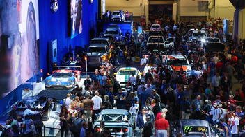 Las Vegas #8 Trade Show Featuring automotive specialty products, the 2016 show drew more than 70,000 domestic and international buyers. The displays at the Las Vegas Convention Center were divided into 12 sections, and the New Products Showcase displayed nearly 3,000 newly introduced parts, tools, and components. Next: October 31-November 3, 2017