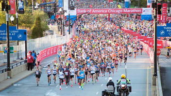 #1 Sports Event Bank of America is the presenting sponsor of the race, which travels through 29 Chicago neighborhoods. Known for its exceptionally flat course, the massive event lures top runners from around the world. The race draws around 40,000 participants; some 1.7 million spectators look on. Next: October 7, 2018