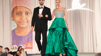 #5 Fashion & Retail Event Eleven-year-old Princess Tess, a former St. Jude patient, was the guest of honor at the 2016 event. Once again held at the Donald E. Stephens Convention Center, the event drew some 1,375 guests and raised $425,000. Next: November 19, 2017