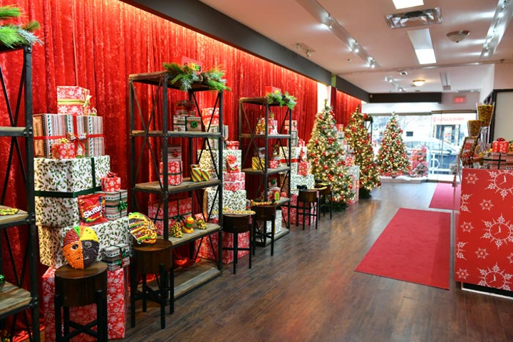 10 Best Ideas Of The Week Holiday Window Displays With
