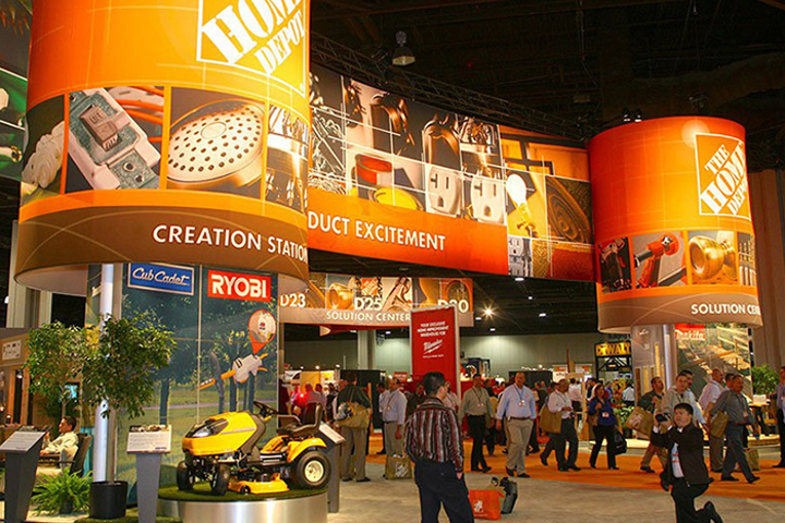 Build connections with exciting and innovative trade show experiences.