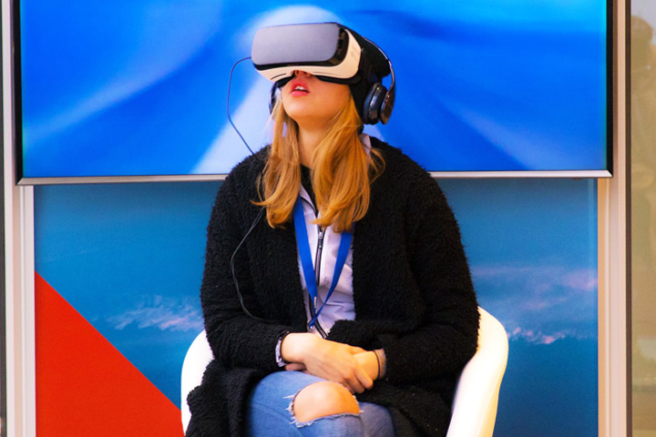Virtual reality that doesn't prepare event attendees to interact with each other afterward is a practice that needs to stay in 2018, said Nicky Balestrieri of the Gathery.