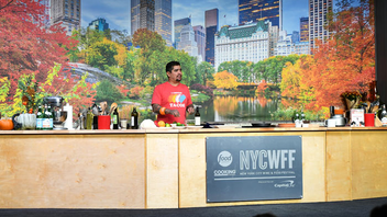 #1 Food & Restaurant Industry Event Over the course of four days, the Food Network & Cooking Channel New York City Wine & Food Festival presented by Capital One brings together more than 500 chefs and 50,000 attendees for palate-pleasing culinary programming. The festival includes more than 80 seminars, hands-on-classes, tastings, and other foodie-driven events, and Giada De Laurentiis, Rachael Ray, Christina Tosi, and Aaron Sanchez were among the notable culinarians who appeared at the 2018 festival. Since its inception in 2007, the event has raised $12.5 million for nonprofit organizations No Kid Hungry and the Food Bank For New York City. Next: October 10-13, 2019