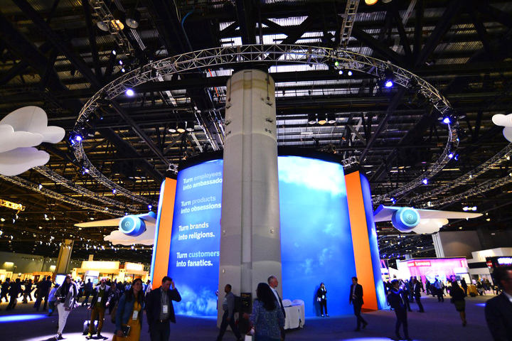 At the center of Sapphire Now was the Central Showcase, a high-tech air travel-theme display designed to demonstrate how experiential data and operational data can merge to assist businesses.