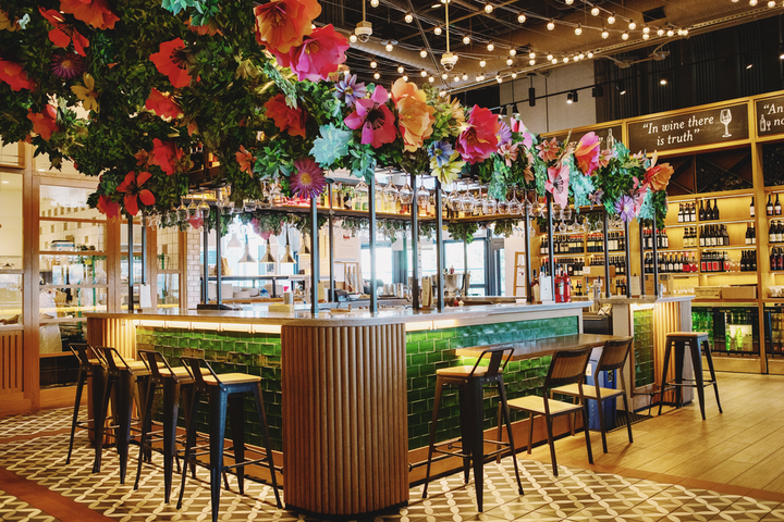 To celebrate the spring season, Eataly LA has opened a pop-up bar dubbed Bar Fiorito. Located inside the venue's La Pizza & La Pasta restaurant, the bar is inspired by Italian spring flower fields and offers a selection of spritz cocktails and mocktails, plus Italian Aperitivo bites.