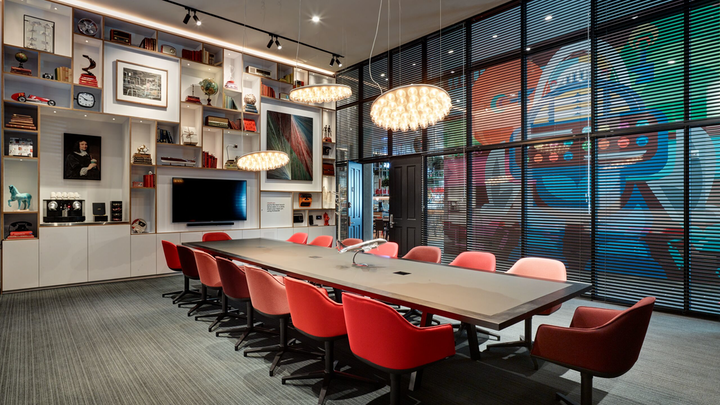 CitizenM Seattle South Lake Union opened on July 28. The 264-room, LEED Gold-certified hotel is located near Amazon's South Lake Union headquarters, and it is the first CitizenM property on the West Coast. The colorful venue, which features modern furniture, neon signage, and a comic book-inspired mural from Native American artist Jeffrey Veregge, offers four stylish meeting rooms, the largest of which holds 16. Each meeting room offers wireless connectivity, complimentary coffee and tea, natural daylight, and chalkboards or whiteboard walls. Also on site is CanteenM, a grab-and-go eatery open 24 hours a day.
