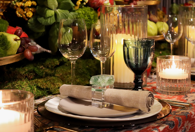 Napkin rings carved from green minerals were used to add a natural touch.